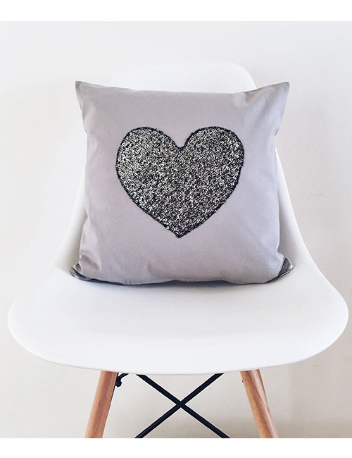 heart-pillow-web