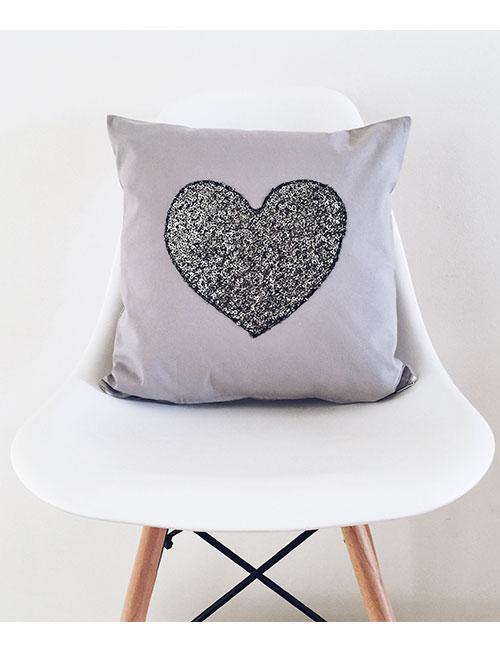 heart-pillow-web