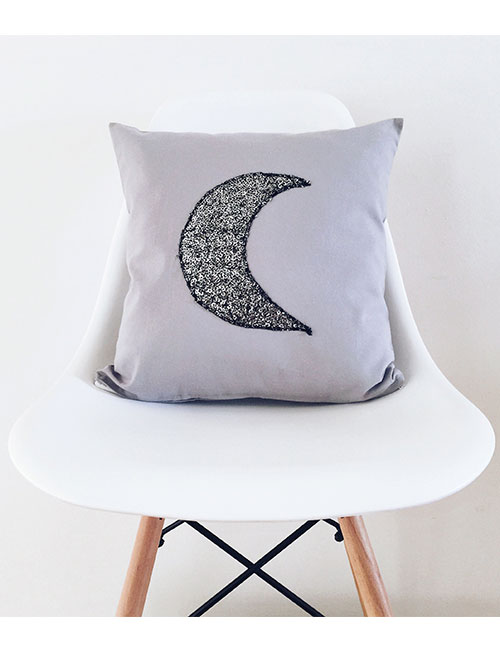 moon-pillow-web